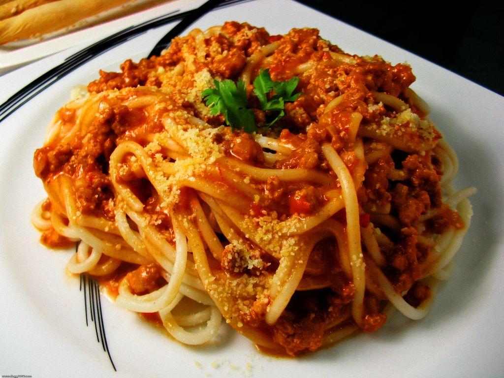 Lutong_Bahay_-_Bolognese_Spaghetti.jpg